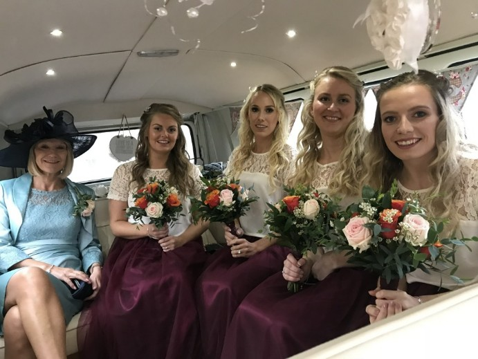 Bridesmaids in Doris